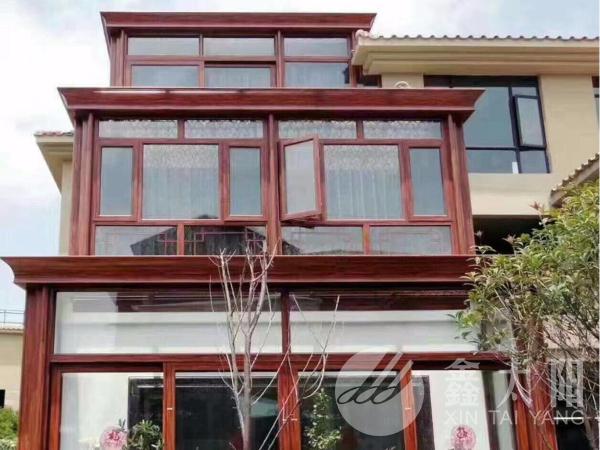 """阳台这样装,让家里""""多""""出一间采光极好的玻璃房!"""